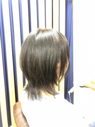 黒髪を重く見えないようにカットするには。福岡市南区大橋のカットが上手な美容室ニュートリノ